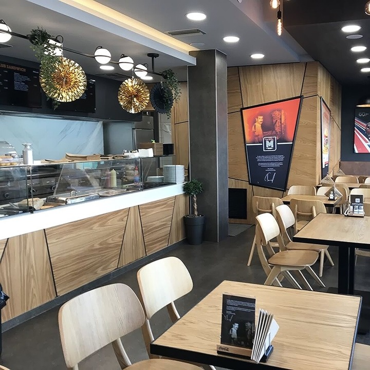 Ανακαίνιση χώρου εστίασης στο κέντρο της Θεσσαλονίκης